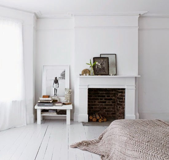 white room decor