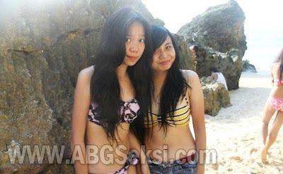 foto abg smu pakai bikini di pantai 2