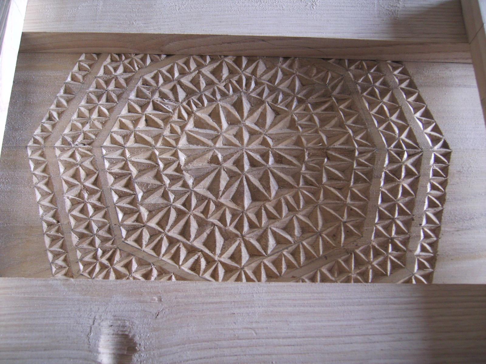 Talla en madera dise os for Disenos de espejos tallados en madera