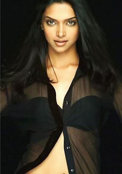 deepika padukone sexy night gown photo