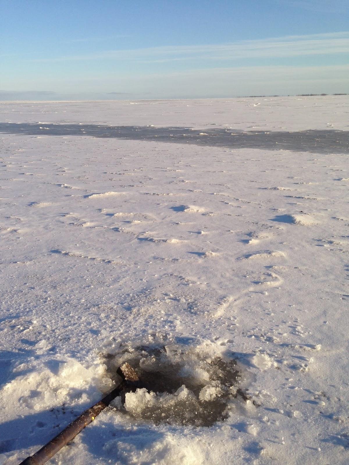 Jason hamilton outdoors lake winnipeg ice conditions nov for Lake winnipeg fishing report