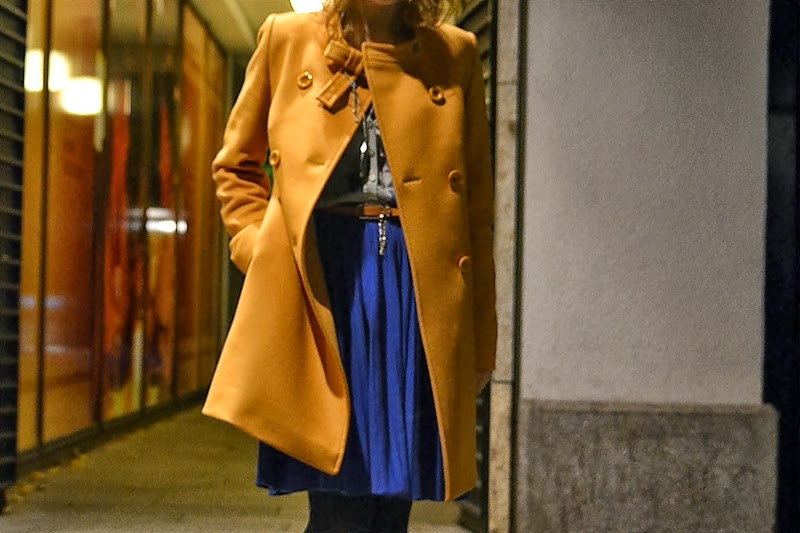 coat verysimple italy blue skirt