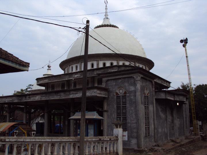 Beserta Foto Masjid Raudlatul Ulum