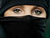 Perhiasan Yang Dilarang Bagi Wanita