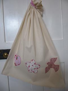 Girl's laundry bag