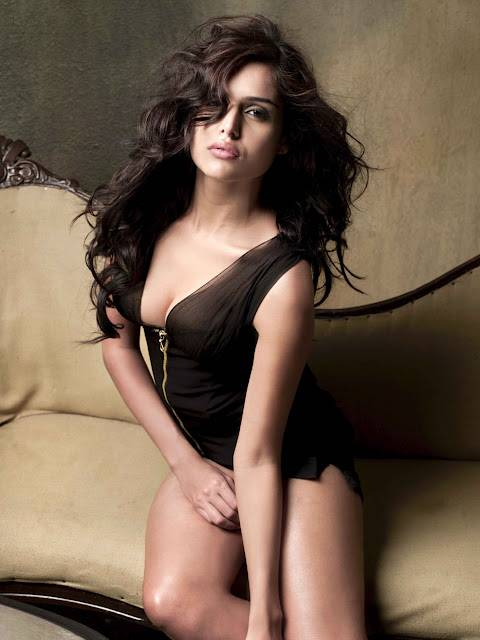 Nathalia Kaur Height, Weight And Body Measurements