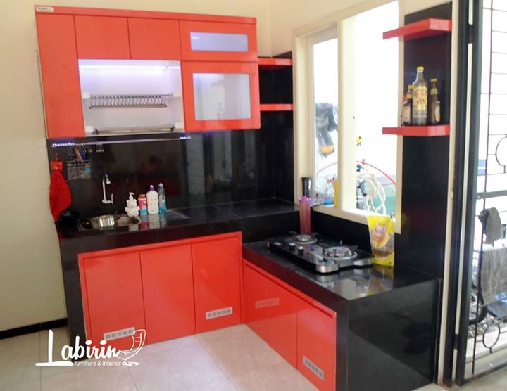 Kitchen set ibu anita malang labirin interior for Daftar harga kitchen set stainless steel