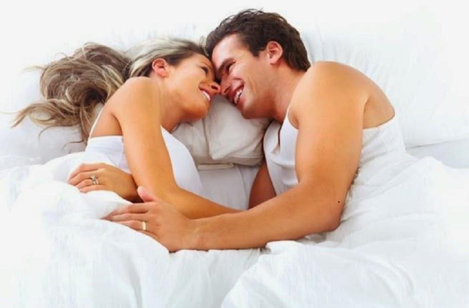 دراسة: الأزواج السعداء ينامون وجها لوجه