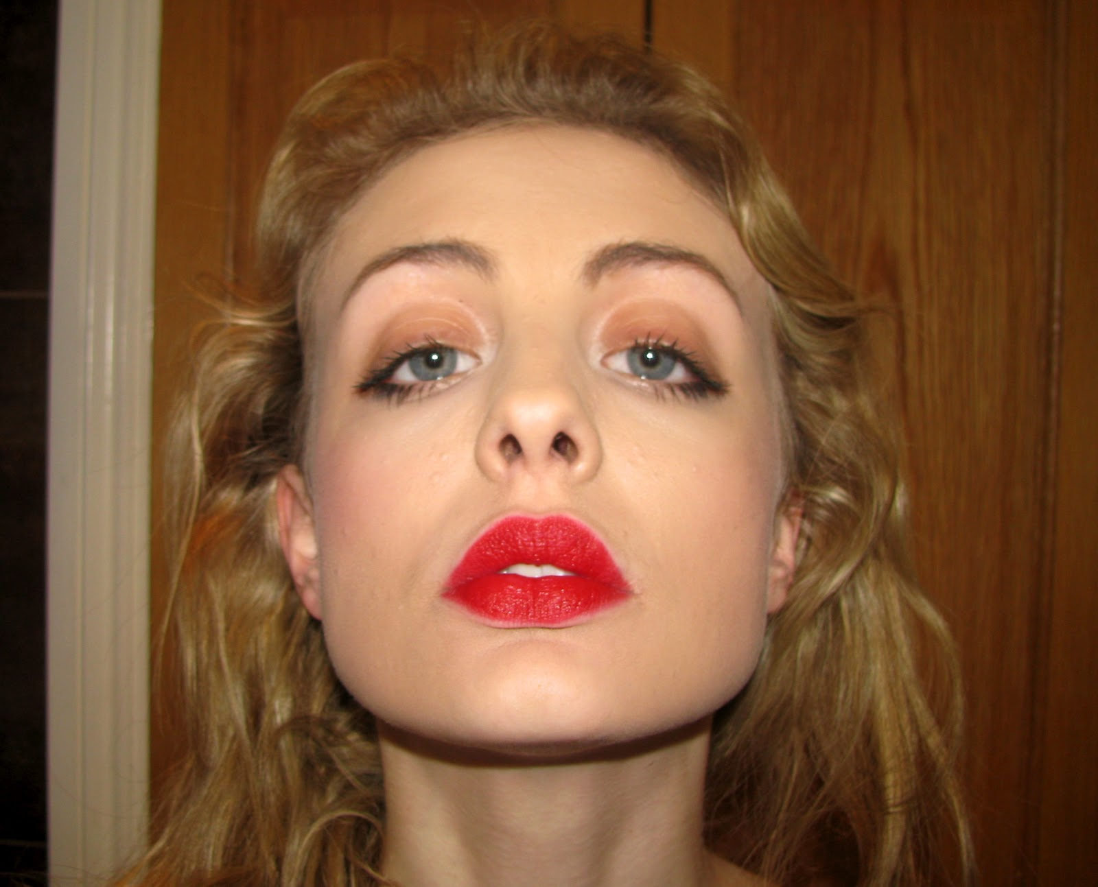 Célèbre like a paper doll.: BEAUTY: Chanel Rouge Allure Velvet in 38 (La  EM46