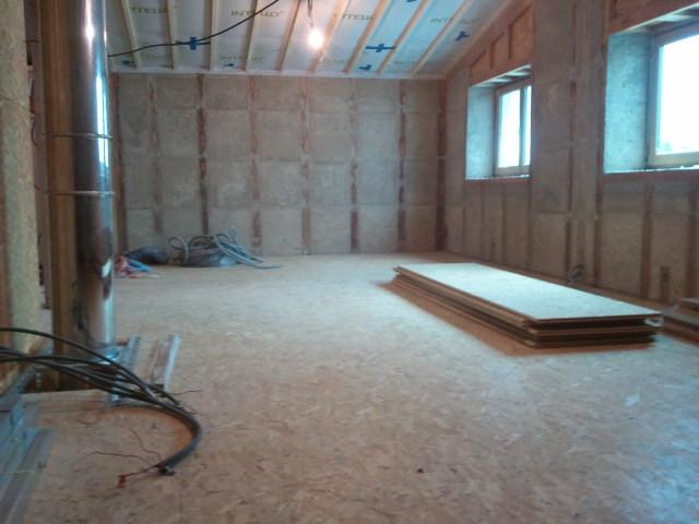 Notre maison ossature bois isolation paille isolation for Construction plancher bois etage
