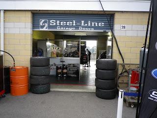 CAR RACE GARAGE
