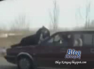 pemandu wanita