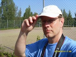 Tule mukaan markkinoimaan tennistuntejamme mukaan Twitteriin ja facebookin kautta