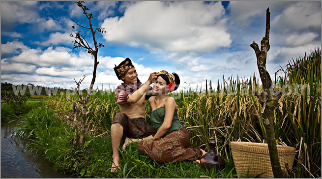 Bali, merupakan tempat favorit sebagai lokasi pemotretan outdoor pre ...