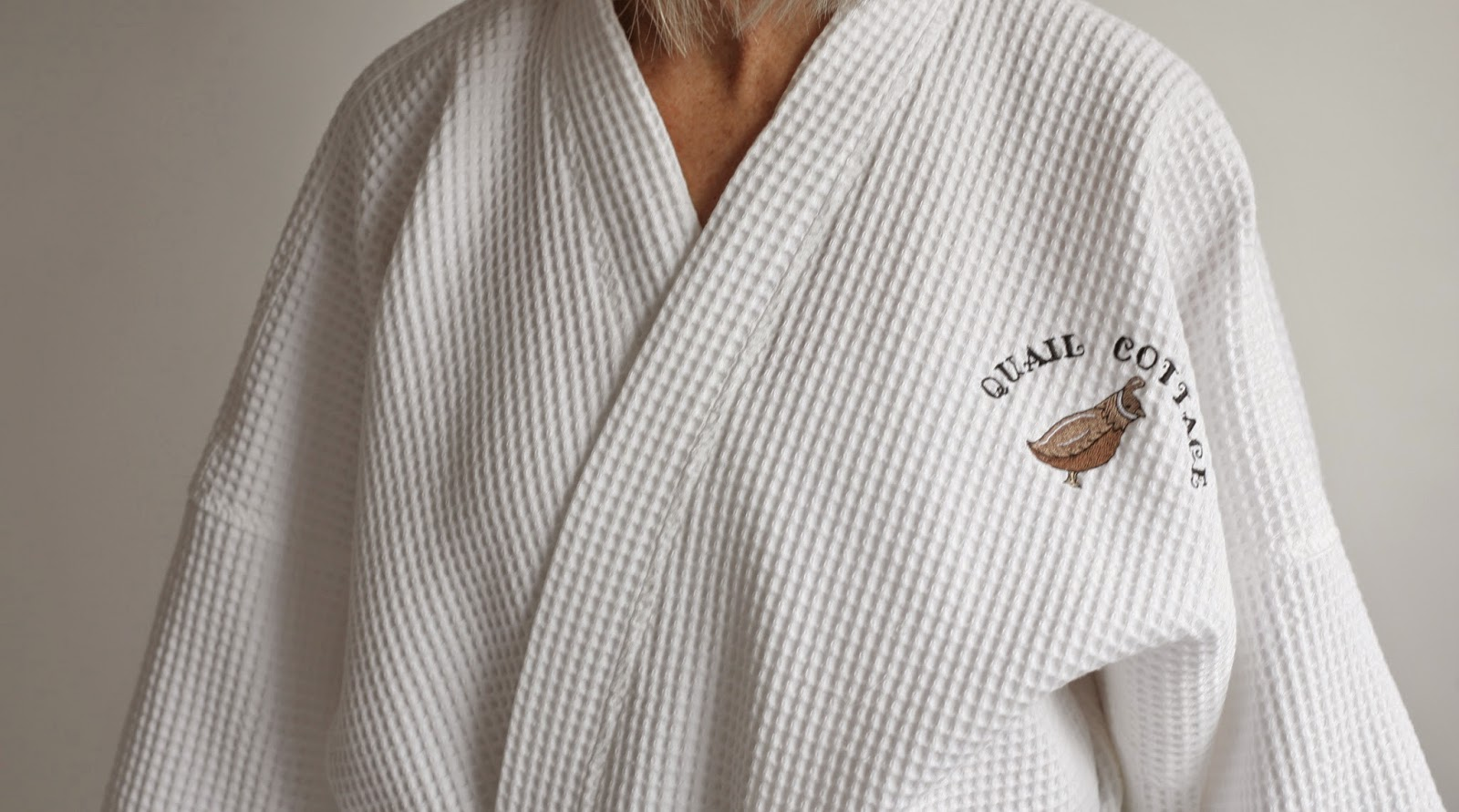 https://www.qcamenities.ca/catalog/Bathrobes_4.cfm
