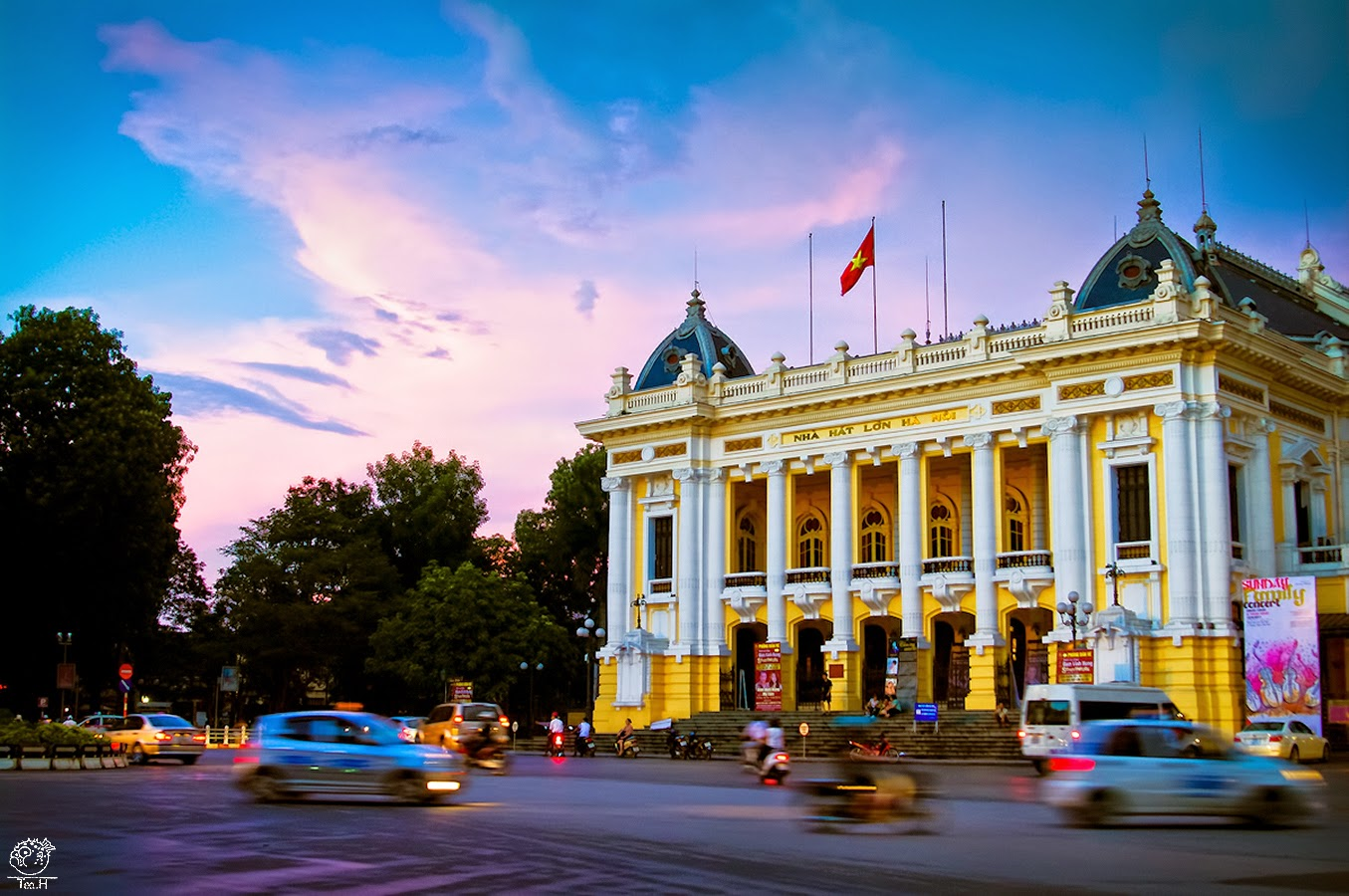 Ha Noi city opera house, beautiful places in Vietnam through eyes of foreigners, new beautiful places to see in Vietnam