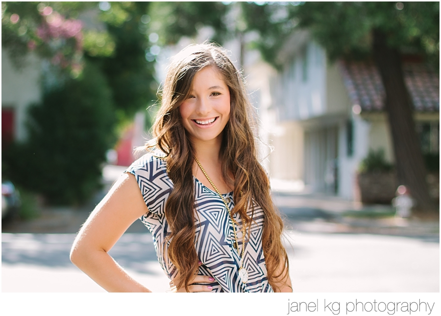 Janel KG Photography shoots Elizabeth's sparkling smile in beautiful backlighting