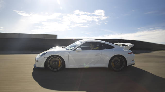 Review and Pictures of 2014 Porsche 911 GT3