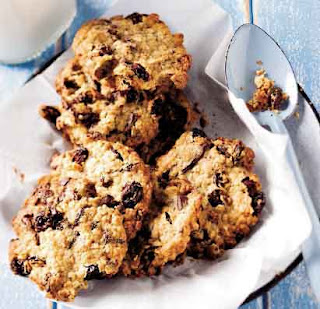 Chocolate Chunk Biscuits With Milk