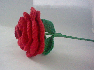 Free Crochet Long Stem Rose Pattern : Cutey Patuty : Mothers Day Crochet Rose
