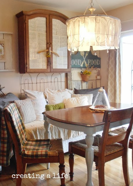 http://creatingalifenow.blogspot.com/2013/09/simple-autumn-changes-dining-room.html