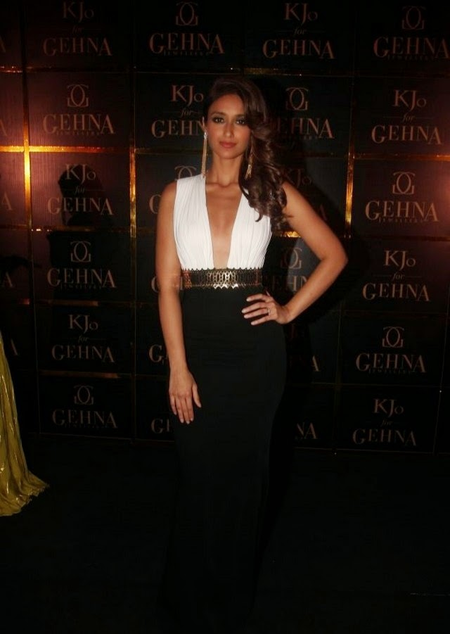 Ileana at Gehna Jewellers Showcase Stills