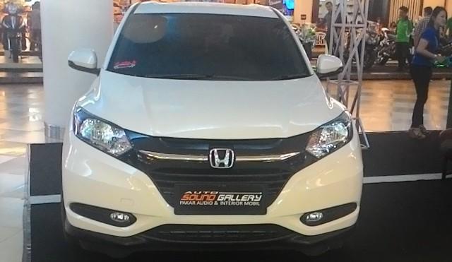 Mobil Honda HR-V Tampak Depan