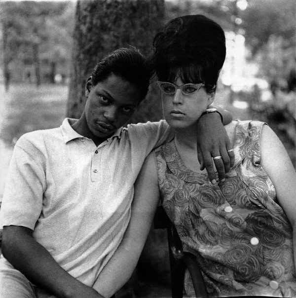 Black+&+White+Square+Portrait+Photographs+by+Diane+Arbus+(4).jpeg