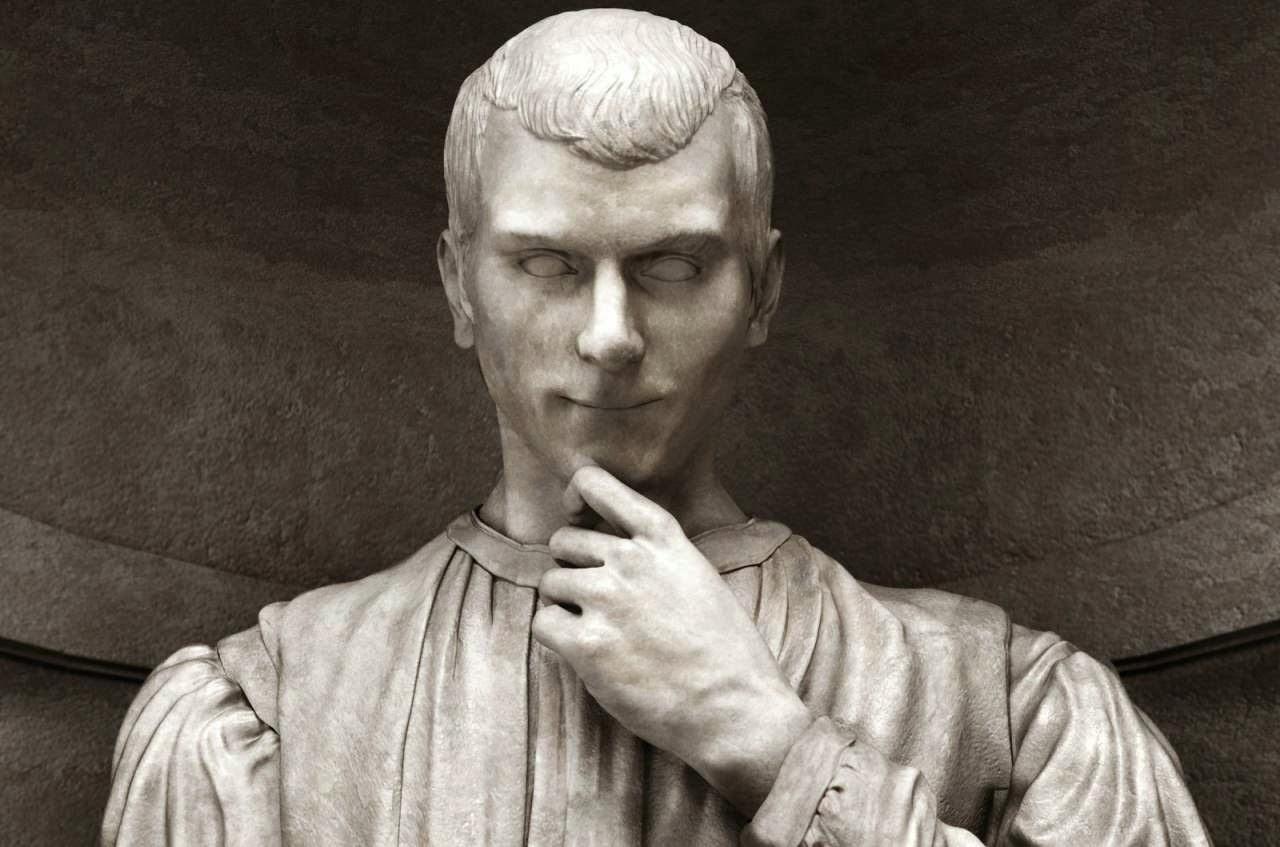Estatua de Maquiavelo