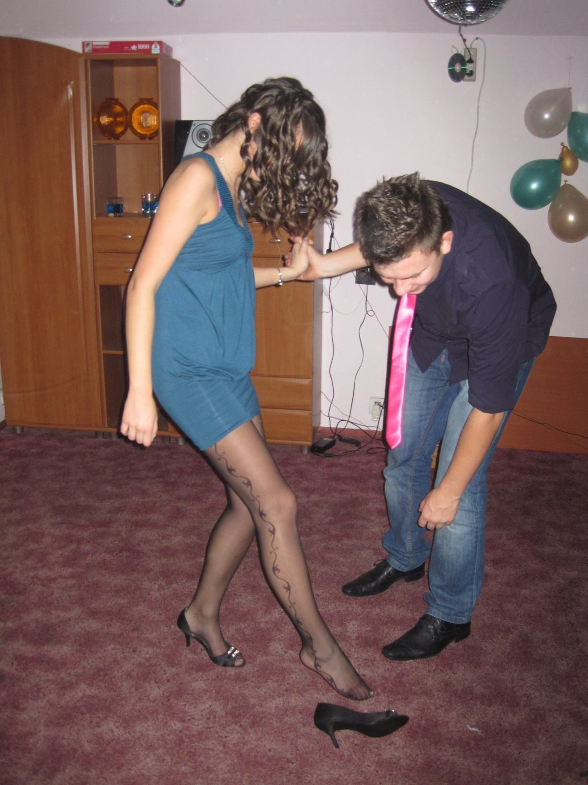Get much alcohol in pantyhose body