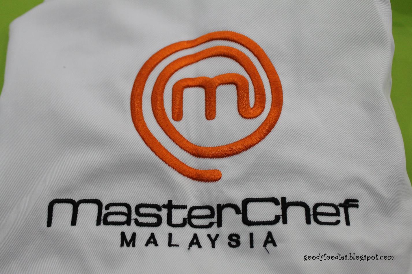 White apron malaysia - Each Of Us Got A Masterchef Malaysia Apron To Put On