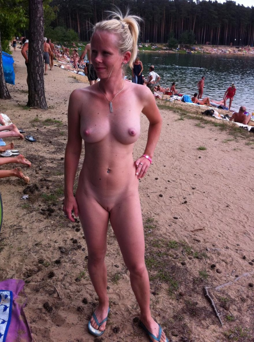 Teen candid blonde