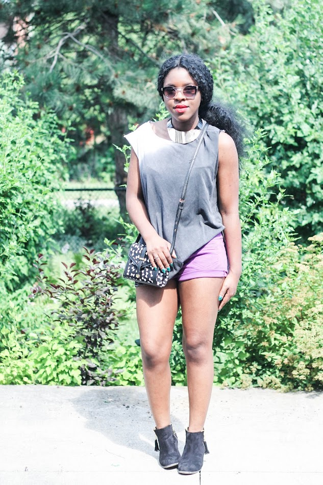 zara muscle tee, diy shorts, forever 21 sunglasses, shoedazzle booties, asos bag, canadian fashion blogger