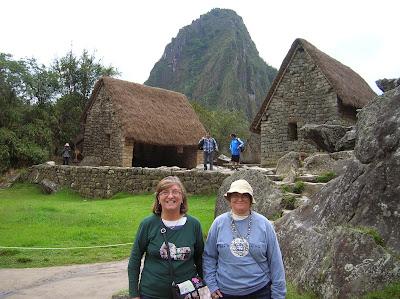Roca Sagrada, Huayna Picchu,  Perú, La vuelta al mundo de Asun y Ricardo, round the world, mundoporlibre.com