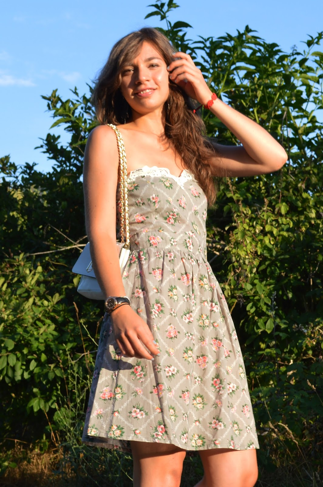 Girls fashion must have: flower dress | The fashion peony's blog