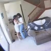 Marido flagra traição de esposa com outra mulher com câmera escondida