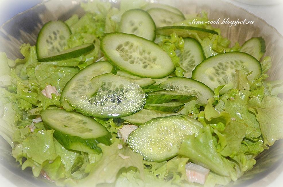 Салат с курицей и бальзамической заливкой