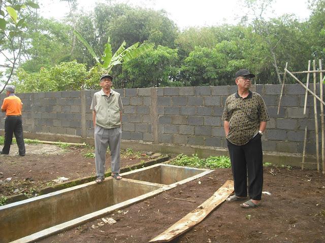 Pembangunan Sarana Benteng Pembatas