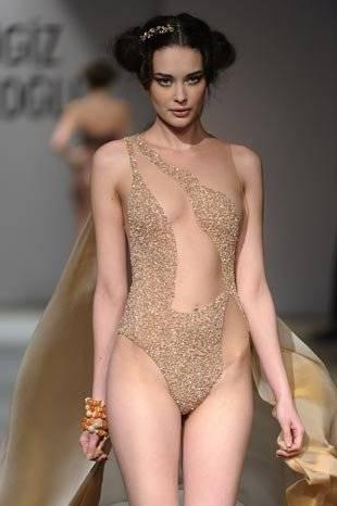 cengiz abazoğlu elbiseleri