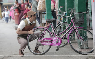 Barfi! HD Wallpapers, Ranbir Kapoor with Ileana's cycle