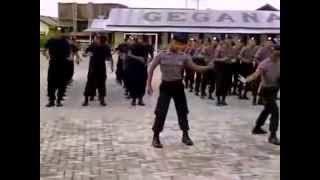 Video Goyang Dumang Versi POLISI [Gokil Banget] http://jembersantri.blogspot.com/