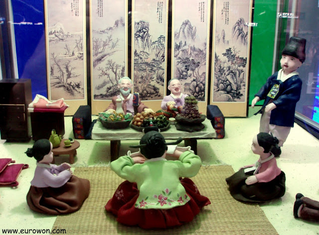 Maqueta de las reverencias tradicionales del Seollal coreano