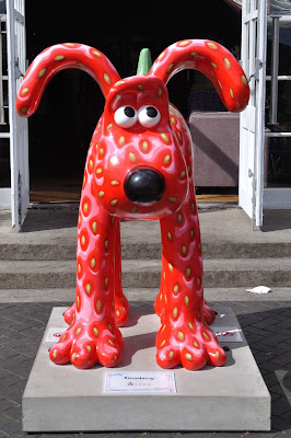 Gromberry Gromit (front view)