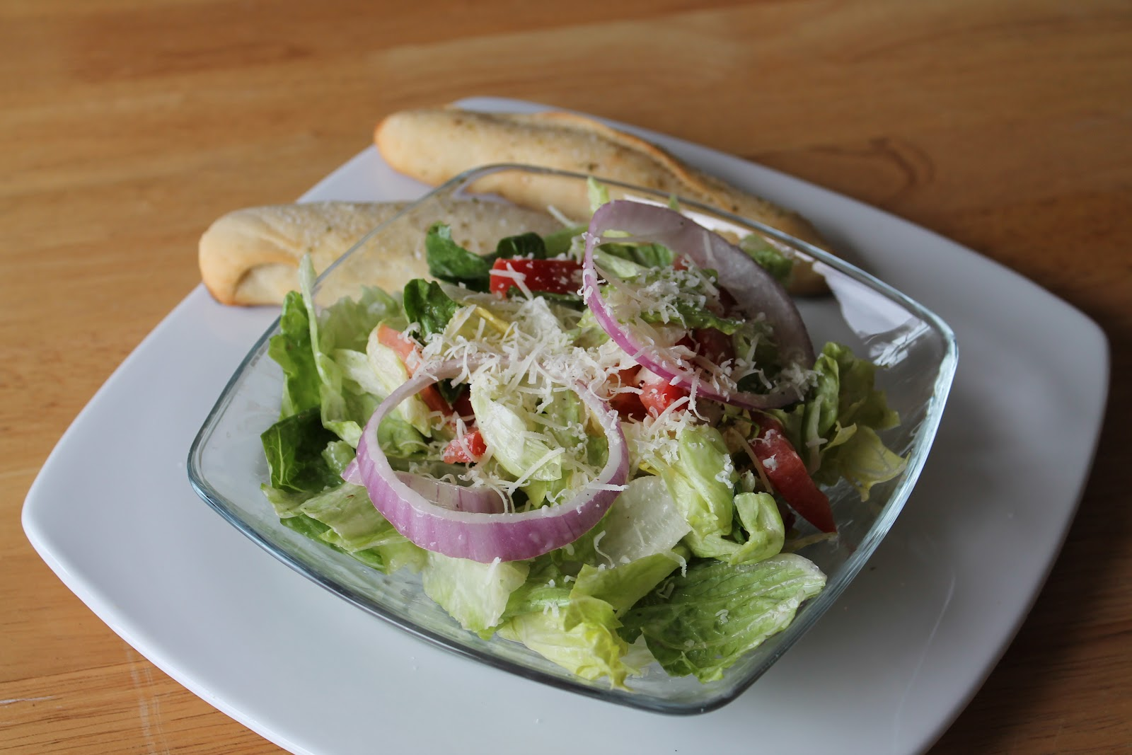 Copycat Recipes Olive Garden Salad Breadsticks At The Pink Of Perfection