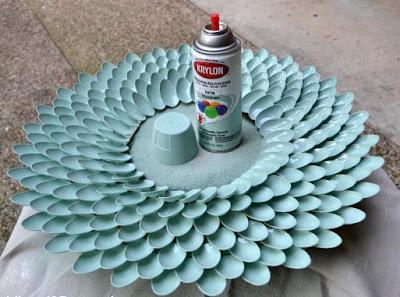 sơn lót một lớp mỏng cho gương