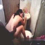 Morena Forrozeira Dando no Banheiro - http://www.pornointerativo.com