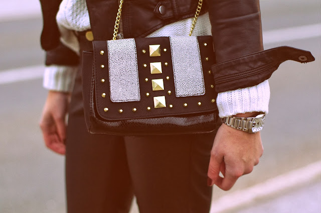 denim shirt hm, white knitted sweater, hm leather pants aw 2013 2014, hm studded bag, stylowe buty ankle boots, fall outfit, fashion blogger, trendy, leather look