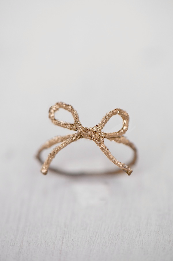 gold, ring, bow ring, bow, jewels, jewel, jewelry, love, bijoux, chic, pink, lovely, lovely things, shabby, shabby chic, fashion, moda, style, lifestyle, stile, girly
