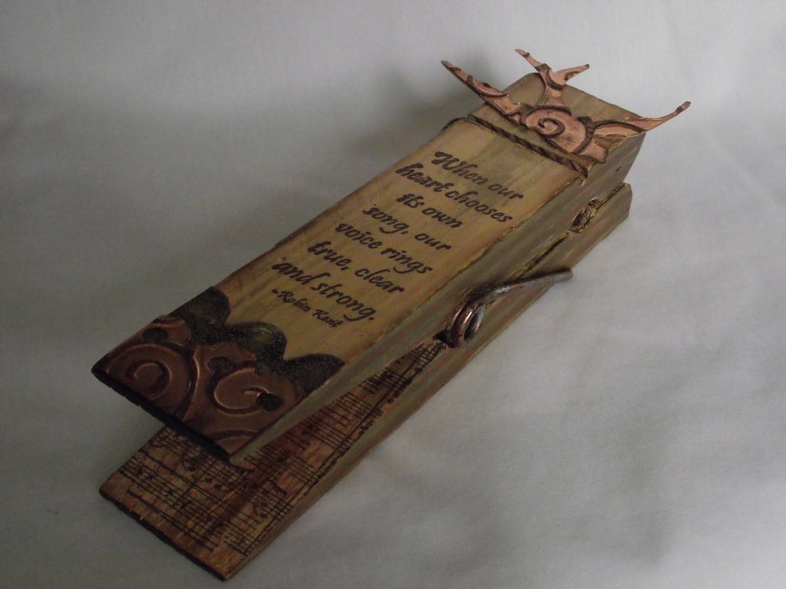 Card Making Paradise Part - 48: This Wooden Peg Is A U0027giantu0027 One, Available From The Craft Barn. You Can  Dismantle It For Decorating Though I Was A Bit Like A Chimpanzee Trying To  Do An ...