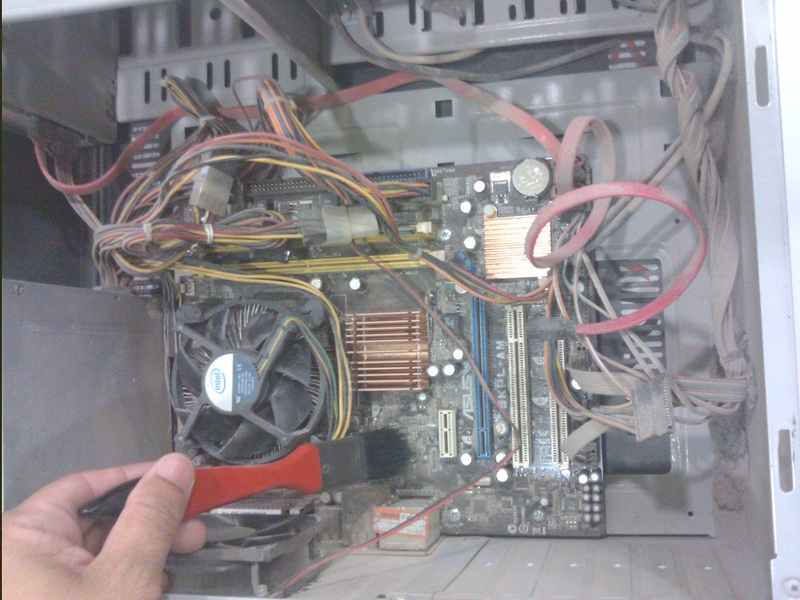 Pc Diy Repair Cleaning Pc Interior From Dust